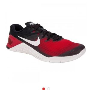 UEC, Nike Metcon 4 Training shoes